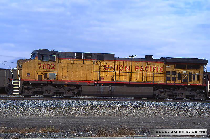 UP7002