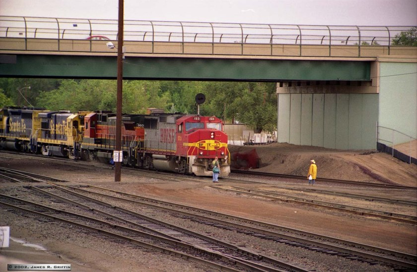 BNSF-CrewChangeBelen-1